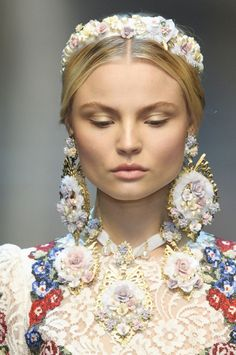 Magdalena Frackowiak at Dolce   Gabbana Fall Winter 2012 RTW at Milan  Fashion Week. e06e67b15d