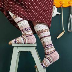Sullavikat – Mia Sumellin villasukkaohje   Meillä kotona High Socks, Diy Clothes, Knit Crochet, Knitting, Knits, Fashion, Diy Clothing, Moda, Thigh High Socks