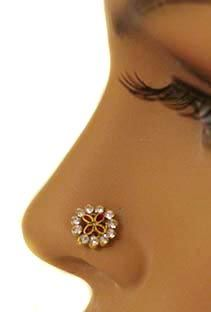 love this nose ring I Love Jewelry, Jewelry Rings, Jewelry Box, Nose Piercings, Piercing Tattoo, Nose Jewels, Some Body, Nose Rings, Nose Art