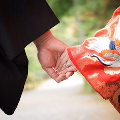 前撮りレポ✨ 何気にお気に入りの1枚❤️ #前撮り #和装前撮り #前撮りアイテム #白無垢 #色打掛 #プレ花嫁 #三渓園 #華雅苑 #プレ花嫁 #結婚指輪 #婚約指輪