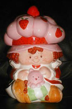 Strawberry Shortcake Cookie Jar---need Strawberry Shortcake Cookies, Vintage Strawberry Shortcake, Teapot Cookies, Cookies Et Biscuits, Sweet Cookies, Cute Cookies, Antique Cookie Jars, Strawberry Kitchen, Kinds Of Cookies