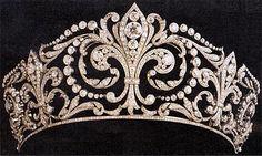 Tiaras y Joyas Reales - Tiaras and Royal Jewels: Tiara Flor de Lis - Casa Real de España