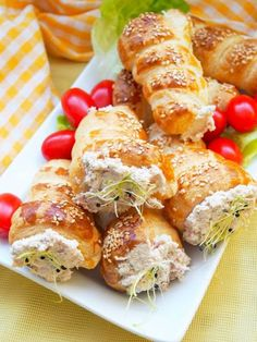 Appetizer Salads, Appetizers, Dessert Recipes, Desserts, Halloween, Sausage, Bakery, Food And Drink, Cooking Recipes