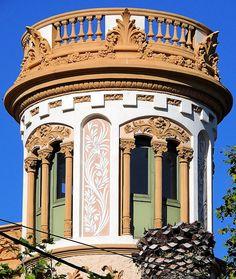 Barcelona - Av. Tibidabo 027 b 1 by Arnim Schulz, via Flickr