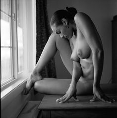 Female models nude black and white picture 191