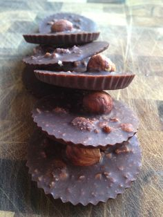 Recipe for my raw vegan healthy  chocolate! Fit Food Travel