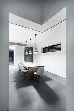 The 4 Views House was completed in 2013 by the Winchester based Architects AR Design Studio. The clients wanted a new house designed and built, they gave AR Studio Build, Dining Room Design, Office Interiors, Luxury Living, Interiores Design, Interior Architecture, Online Architecture, Interior Inspiration, Living Spaces
