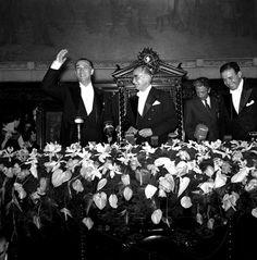 Cerimônia de posse de Juscelino Kubitscheck no Rio Jean Manzon, cira 1956 Obs de JuRicardo - anturios no arranjo de flores da cerimônia de posse.