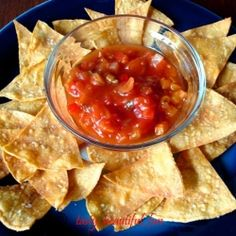 Homemade Baked corn tortilla chips drizzle with olive oil coating whole tortilla. spread out in single layer. bake 15 min or golden Baked Corn Tortilla Chips, Baked Chips, Corn Tortillas, Appetizer Recipes, Snack Recipes, Kid Recipes, Healthy Snacks, Healthy Recipes, Western Food