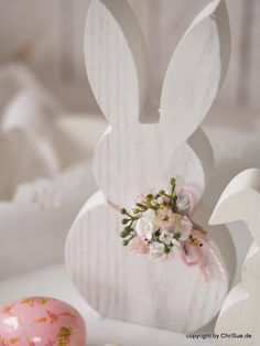Spring wood crafts diy ideas 42 Ideas for 2019 Hoppy Easter, Easter Bunny, Easter Art, Spring Crafts, Holiday Crafts, Oster Dekor, Crafts To Sell, Diy And Crafts, Diy Ostern