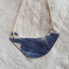 Mira este artículo en mi tienda de Etsy: https://www.etsy.com/es/listing/539283083/maxi-collar-babero-de-ceramica-blanca