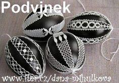 Beautiful bobbin lace eggs pattern Podvinek 048 - Černobílé kraslice (6 kusů)