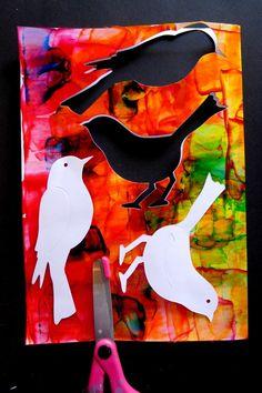 Après les oiseaux blancs sur fond noir pour des jeux graphiques, les oiseaux se sont parés de couleurs vives pour éclater de gaité à...