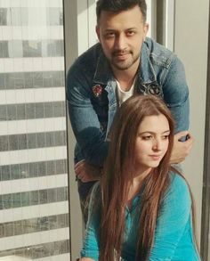 Happy wedding anniversary to the most adorable couple, Mashallah congrats God Bless Both of You Atif Aslam & Sara. Beautiful couple his wife is also v pretty Bollywood Couples, Bollywood Stars, Atif Aslam Wife, 4th Wedding Anniversary, Fancy Wedding Dresses, Cute Love Images, Wife Pics, Amai, Pakistani Actress