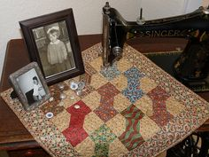 .Love to combine quilts with vintage sewing machines