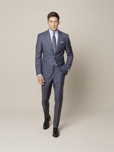 """Drei Anzüge, drei Looks, eine #Farbe. Um Ihnen die Suche nach Ihrem perfekten #blauen #Anzug zu erleichtern, haben wir Ihnen drei Nuancen herausgesucht. Die Wahl liegt nun bei Ihnen, aber die #Aussage stimmt in jedem Fall: """"Ein blauer Anzug ist das vielseitigste Kleidungsstück, das es gibt."""""""