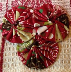 Holiday Christmas embellished yo yo hand by PDXHandmadeVintage, $5.00