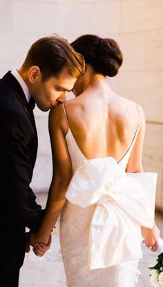 Wedding pictures ideas bride and groom life Ideas pictures city Wedding pictures ideas bride and groom life Ideas Wedding Kiss, New York Wedding, Wedding Groom, Wedding Couples, Dream Wedding, Wedding Dresses, Wedding White, Wedding Dress Bow, Wedding Couple Poses