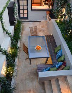 Beeteinfassung und Bank - perfekt für unseren backyard