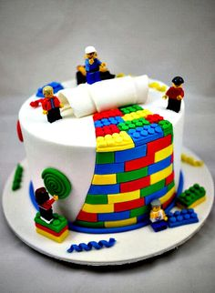 How to make a Lego cake or Lego cupcakes for a birthday party! These Lego cake ideas have easy tutorials and designs for a homemade Lego birthday cake! Fancy Cakes, Cute Cakes, Yummy Cakes, Pink Cakes, Crazy Cakes, Lego Torte, Bolo Lego, First Birthday Cakes, 26 Birthday