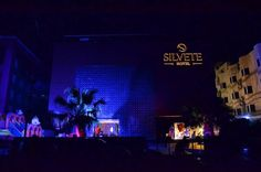 HotelSilvete is a 3 star luxury hotel located in Lucknow.The hotel is equipped with world class amenities to meet the requisites of all its clients at the fullest.Here is a link to its website for you to make your hotel room bookings Online. http://www.hotelsilvete.com