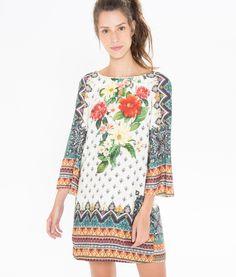 http://www.farmrio.com.br/br/produto/vestido-mg-sino-lenco-miraflores/_/A-243462_4053.ptbr.farmrio