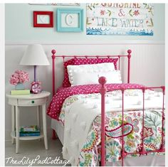 ¥ Pretty, colorful bed & bedding