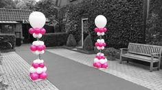 Feestelijke unieke ballonpilaren. Bruiloft Overijssel. Roze/wit. Wedding Balloon Column Holland. www.ballonnendeal.nl