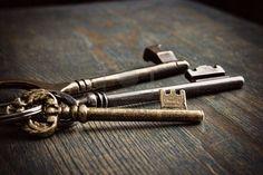 Google Image Result for http://us.123rf.com/400wm/400/400/neatsoup/neatsoup1010/neatsoup101000010/8057293-antique-keys.jpg