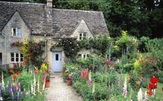 Cottage Garden, Bilbury, Gloucestershire, England #flowers #garden