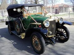 1914 ROCHET SCHNEIDER Torpédo  Maintenance/restoration of old/vintage vehicles: the material for new cogs/casters/gears/pads could be cast polyamide which I (Cast polyamide) can produce. My contact: tatjana.alic@windowslive.com