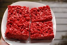 Looking for a treat for Valentine's Day? Try making these easy red velvet rice crispy treats. They kind of look like ground beef in the picture, though...