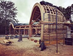 nea-studio Glulam curved beams being installed. Glulam by Unalam! Contemporary Architecture, Architecture Design, Timber Cabin, Vaulting, Beams, This Is Us, Outdoor Structures, Studio, House Styles