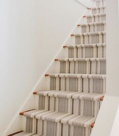 Stair Runners: 6 of our favorite ways to modernize your staircase Staircase Runner, Curved Staircase, Modern Staircase, Staircase Design, Stair Runners, Spiral Staircases, Hallway Runner, Old Kitchen Tables, Diy Kitchen