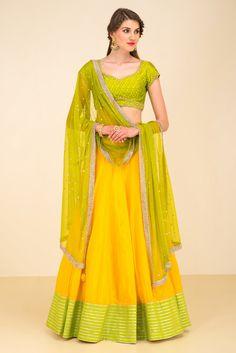 DIVYA REDDY yellow and green lehenga set #Flyrobe #Bride #Wedding #Lehenga #IndianWedding #designer #designerlehenga #lehengacholi