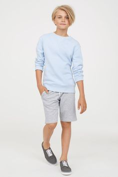 H&M - Fashion and quality at the best price Toddler Boy Fashion, Little Boy Fashion, Teen Fashion, Little Boy Style, Toddler Boys, Young Cute Boys, Cute Teenage Boys, Cute Blonde Boys, Beauty Of Boys