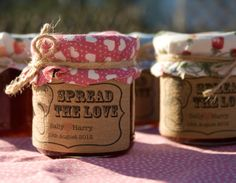 Really cute idea. Similar to the applesauce we made for our favors:)