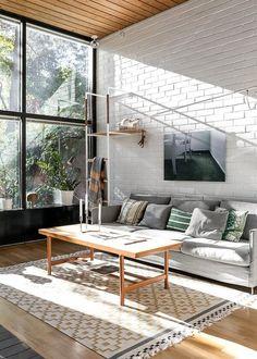70-luvun arkkitehtuuria Classic Interior, Modern Interior Design, Living Spaces, Living Room, California Homes, Modern Retro, Interior Inspiration, Rustic Decor, Beautiful Homes