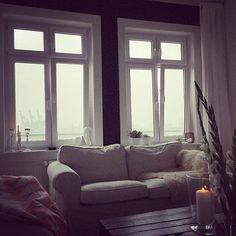 Sofa-Time ️ Bei dem Wetter da draußen garkeine andere Wahl #hh #Hamburg #interior #interiorlove #instadesign #design #interiorliebe #interior4all #interior2you #interior444 #interiordesign #homeinspo #homedecor #roomforinspo #instainspo  #interiordecor #decoration #instadeco #interiormagasinet #dailyinstainspo #homedetails #inspohome #finahem #interior123 #interior_design #interiordecoration #homestyling #yourinterior_2015