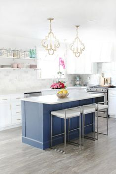 How to build a kitchen island (easy DIY Kitchen Island) - Prescott View Home Reno: DIY Kitchen Island – Classy Clutter The Effective Pictures We Offer You - Diy Kitchen Remodel, Diy Kitchen Decor, Kitchen Paint, Kitchen Cabinets, Navy Kitchen, Stock Cabinets, Kitchen Tables, Country Kitchen, Build Kitchen Island