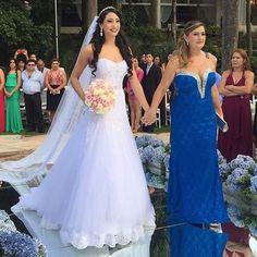 WEBSTA @ ouniversodasnoivas - Alguém mais vai entrar com a mãe?!.#universodasnoivas #noiva #noivo #noivas #noivinha #wedding #weddingday #weddings #weddingdress #casamento #casamentos #penteado #penteados