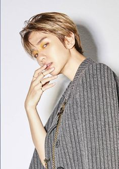 Image shared by ℛ 𝓞 𝓢 𝓔́. Find images and videos about kpop, exo and baekhyun on We Heart It - the app to get lost in what you love. Taemin, Shinee, Kyungsoo, Baekhyun Hot, Exo Kai, Park Chanyeol, Kpop Exo, Exo Ot12, Chanbaek