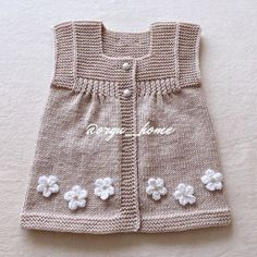 Crochet Baby Hat Patterns, Crochet Baby Hats, Crochet For Kids, Knitted Baby Cardigan, Baby Sewing Projects, Knitting Designs, Baby Dress, Toddler Cardigan, Tutorial Crochet