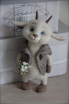 ♥♥❤️ Devine little Edelweiss goat