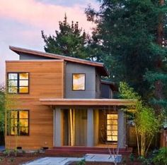 Modern exterior window trim ideas modern exterior window trim modern exterior window trim s house mid . modern exterior window trim ideas design and decor Design Exterior, Exterior House Colors, Modern Exterior, Exterior Siding, Siding Colors, Roof Colors, Exterior Paint, Beautiful Modern Homes, Small Modern Home