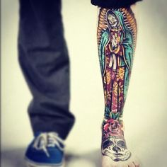 amazing leg tattoo. That coloring is beezkneezzzzz