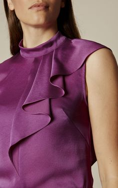 Get the answer to effortless style with new-season tops. From Bardot to blouses, you'll discover tops for every occasion at Karen Millen. Clothing Patterns, Dress Patterns, Casual Dresses, Fashion Dresses, Sewing Blouses, Fashion Details, Fashion Design, Indian Designer Wear, Karen Millen