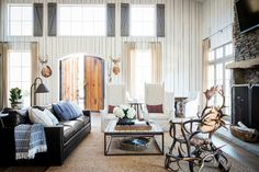 raising-the-barn-living-room-0615