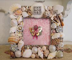 Pretty Shell Frame~Rhinestones! ❤❤❤