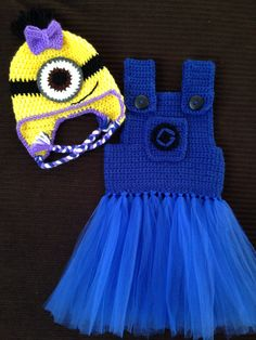 Girl minion outfit
